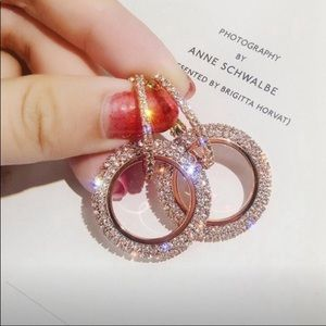 Beautiful round crystal sparkle drop earrings